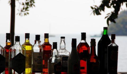 alcohol-1198643_960_720